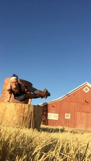 8 angle pose; outdoor; barn
